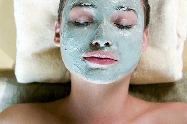 Использование в косметологии голубой глины